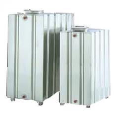akumulační nádrž na vodu kovová, kvádr